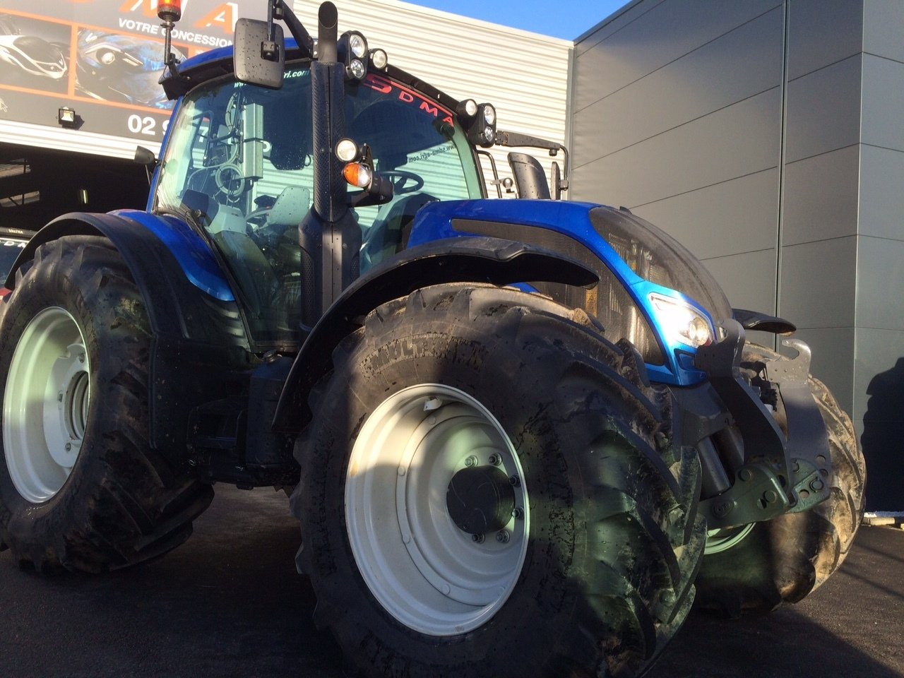 Tracteur agricole Valtra N174 DIRECT - 1